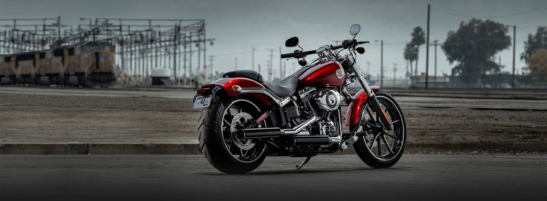 want to buy hd breakout cvo 2013